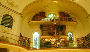 The library in the chapel.